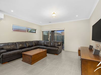 21 Rona Road, Point Cook