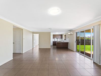 6 Dixon Court, Wilsonton Heights