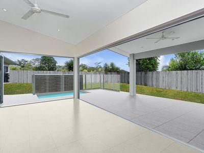 6 Lockyer Crescent, Bentley Park