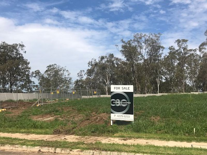 Lot Lot 1026, 15  Farrier Place, Kembla Grange
