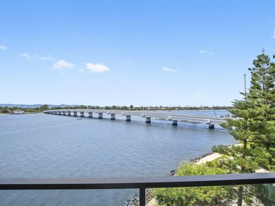 31306 / 2 Ephraim Island Bridge, Paradise Point