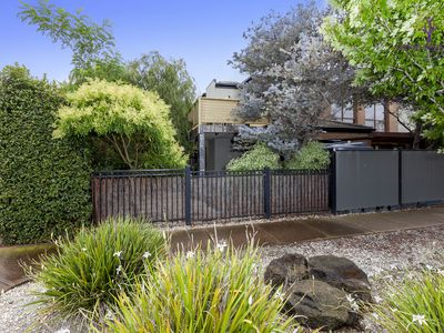 26 McCulloch Walk, Point Cook