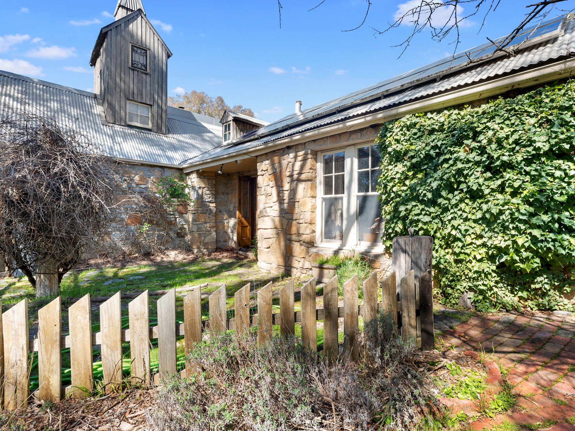 86 LYNSLANE ROAD, Longwood