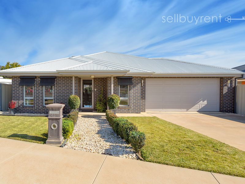 45 DAINTREE WAY, Wodonga