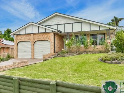 33 Kalbarri Crescent, Bow Bowing