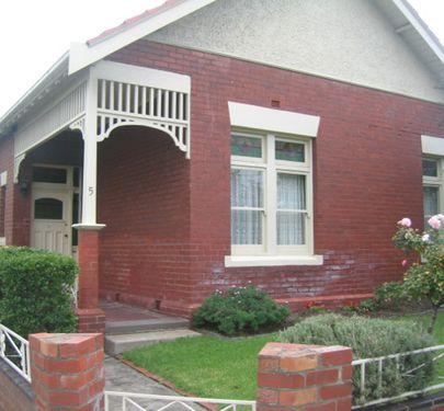 5 Lincoln Road, Essendon