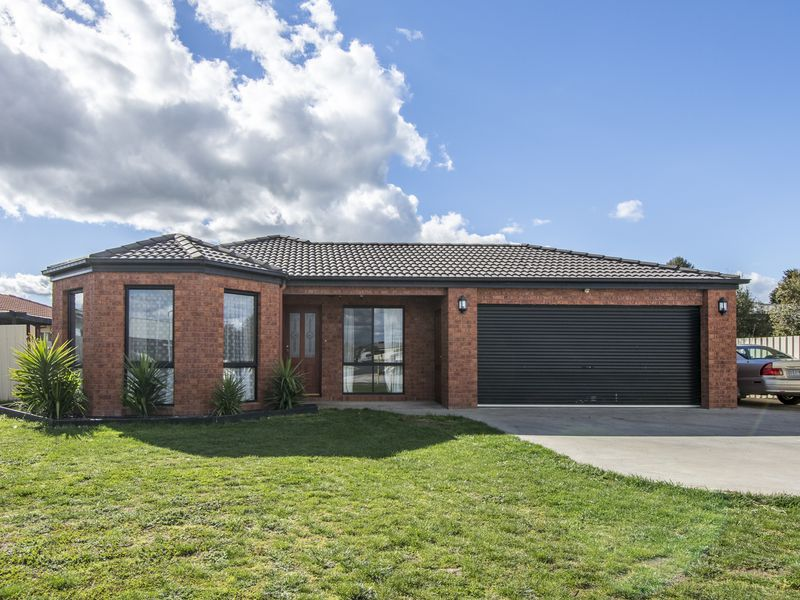 3 Shiralee Crescent, Horsham
