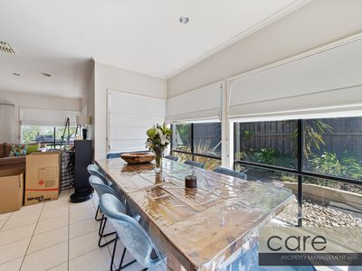 36 Caversham Terrace, Lynbrook