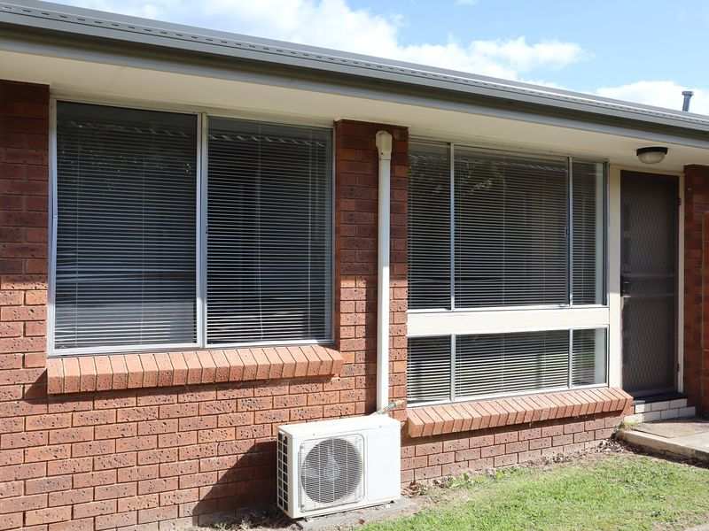 Renovated & Spacious Unit with Ensuite