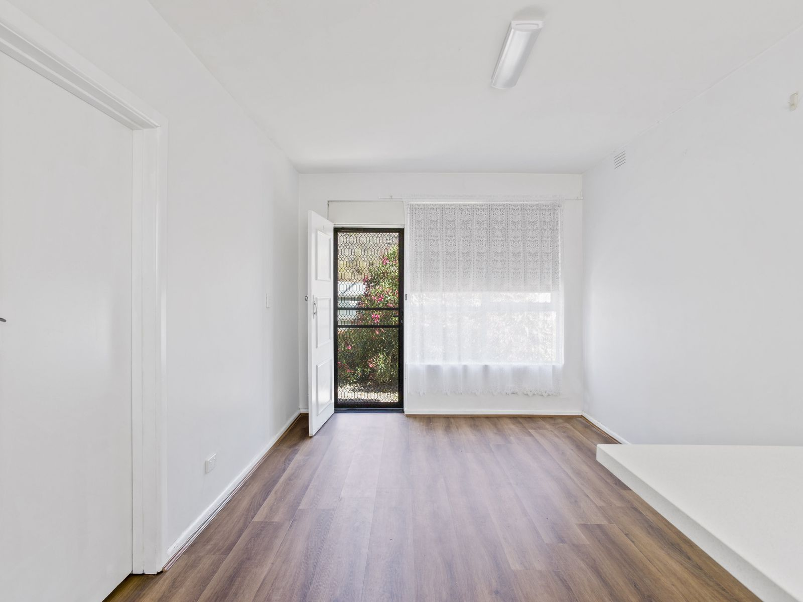 1 / 181 Geelong Road, Footscray