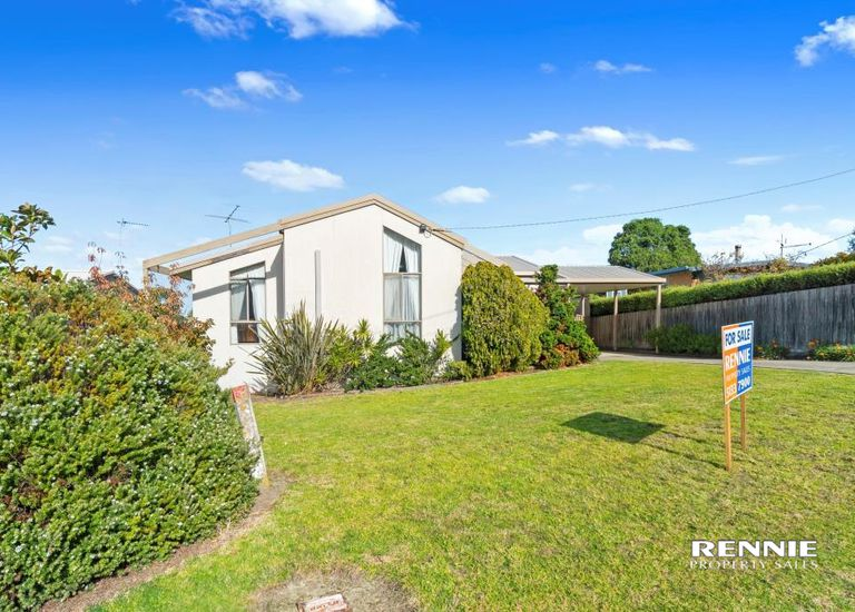 28 Robin Street, Lakes Entrance