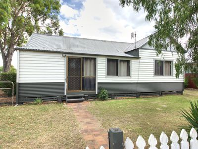 35 Donely Street, Oakey