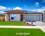 15  Vesna Avenue , Clyde North
