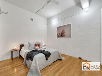 17 / 300 King Street, Melbourne