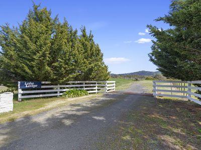 534 Howes Creek Road, Mansfield