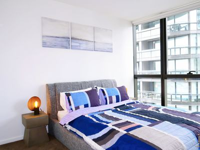 Stylish Large One Bedroom Apartment, Docklands