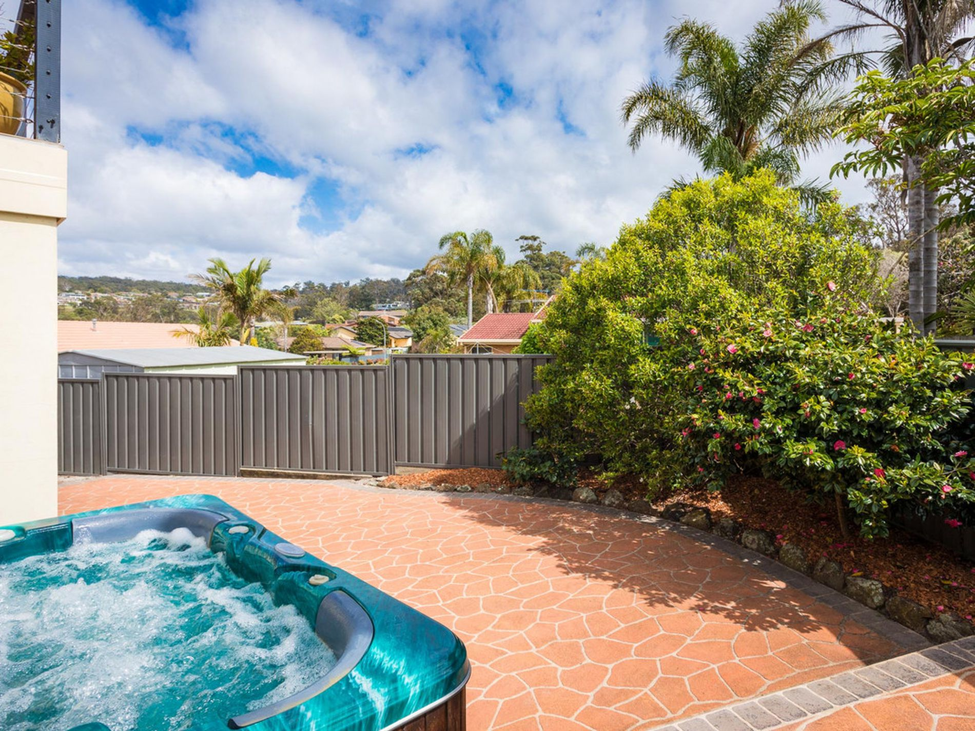 1 / 13 Waratah Court, Tura Beach
