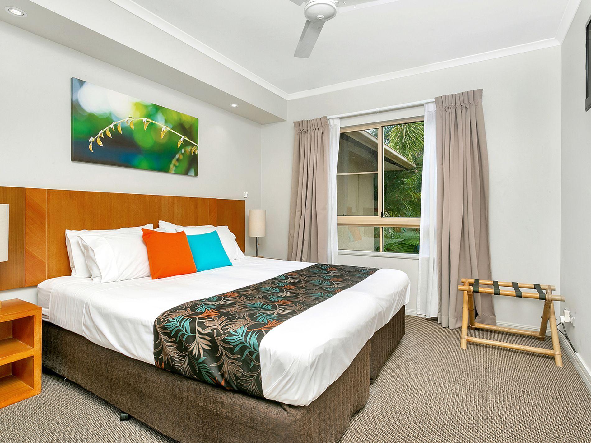 715 / 2 Greenslopes Street, Cairns North
