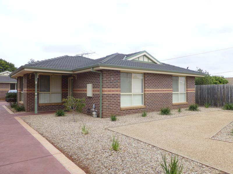 1 / 6 Carson Crescent, Hoppers Crossing