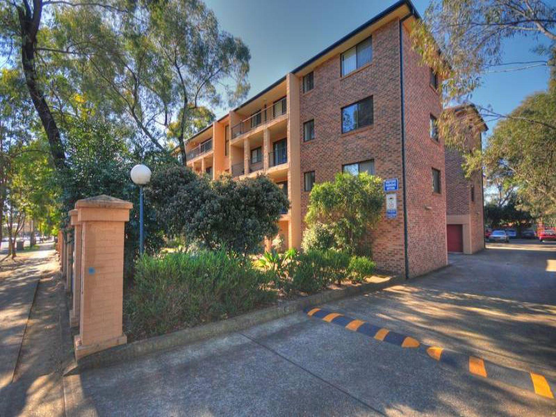10 / 227-231 Targo Road,  Girraween NSW 2145, Toongabbie