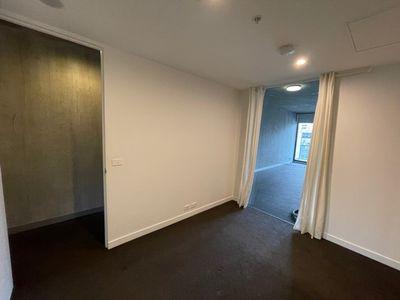 602 / 33 Claremont Street, South Yarra