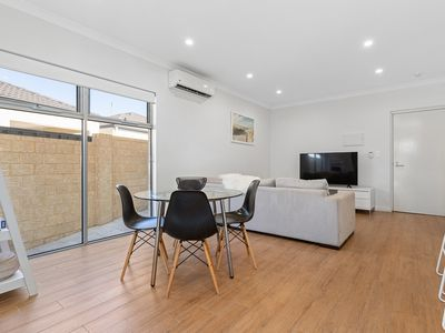 1 / 62 Dallington Crescent, Balga