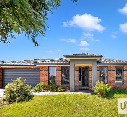 41 STATELY DRIVE, Cranbourne East