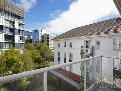 301 / 9 Commercial Road, Melbourne