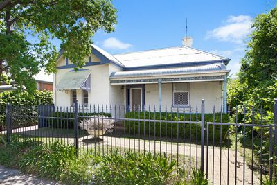 118  Carthage Street , Tamworth