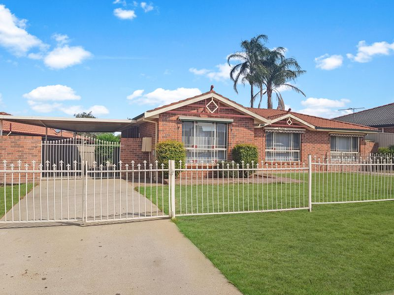 18 Tharkinna Close, Cranebrook