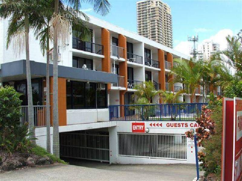 12 / 2877 Gold Coast HWY, Surfers Paradise