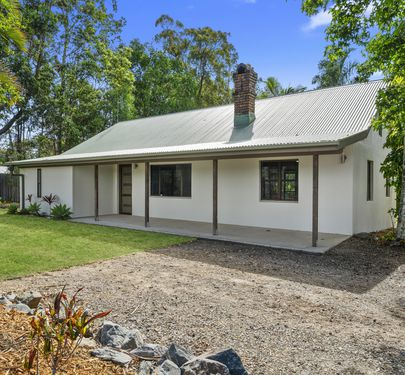 15 Crittenden Road, Glass House Mountains
