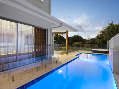 91 The Peninsula, Helensvale