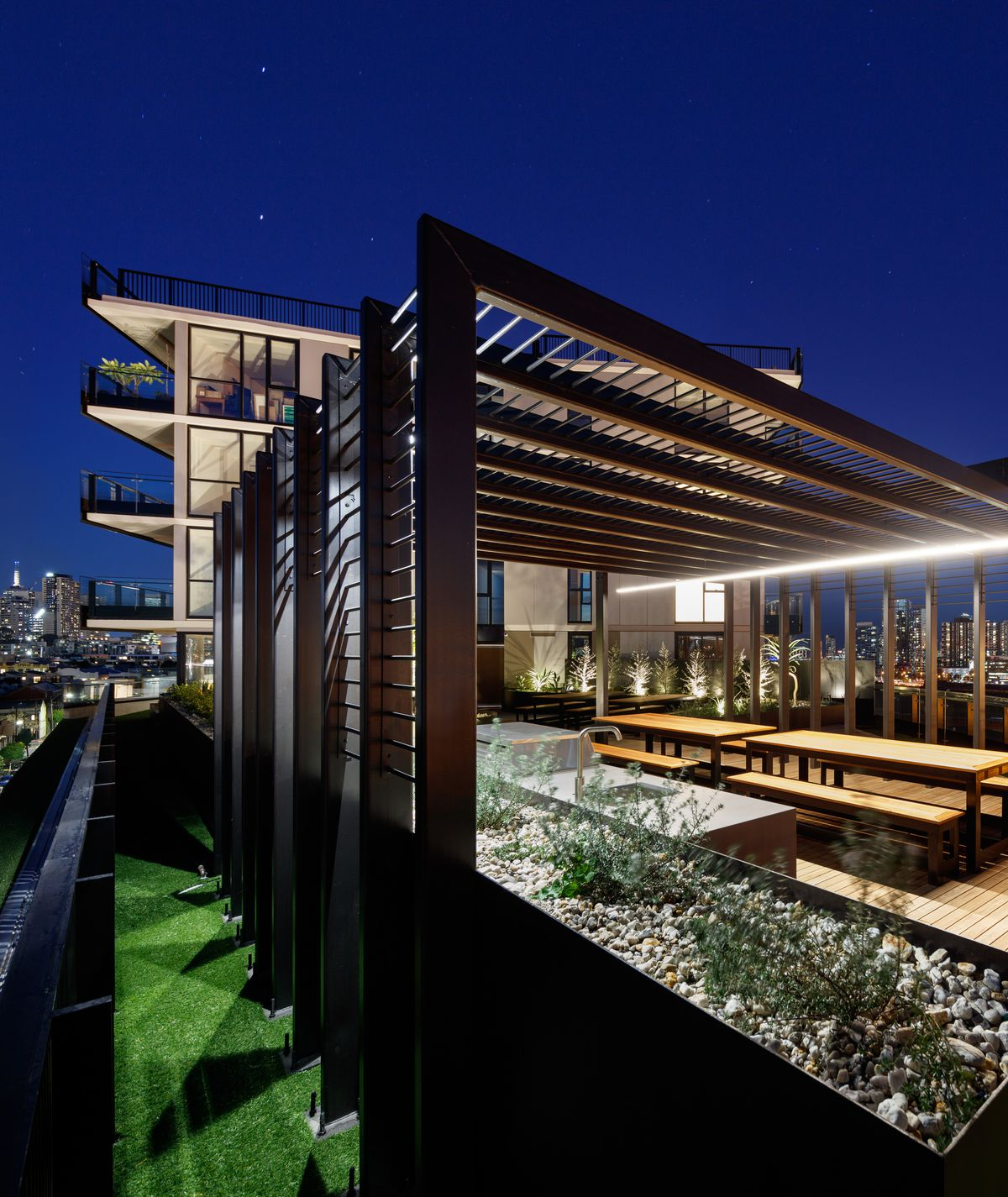 EXCEPTIONALLY FINISHED APARTMENTS