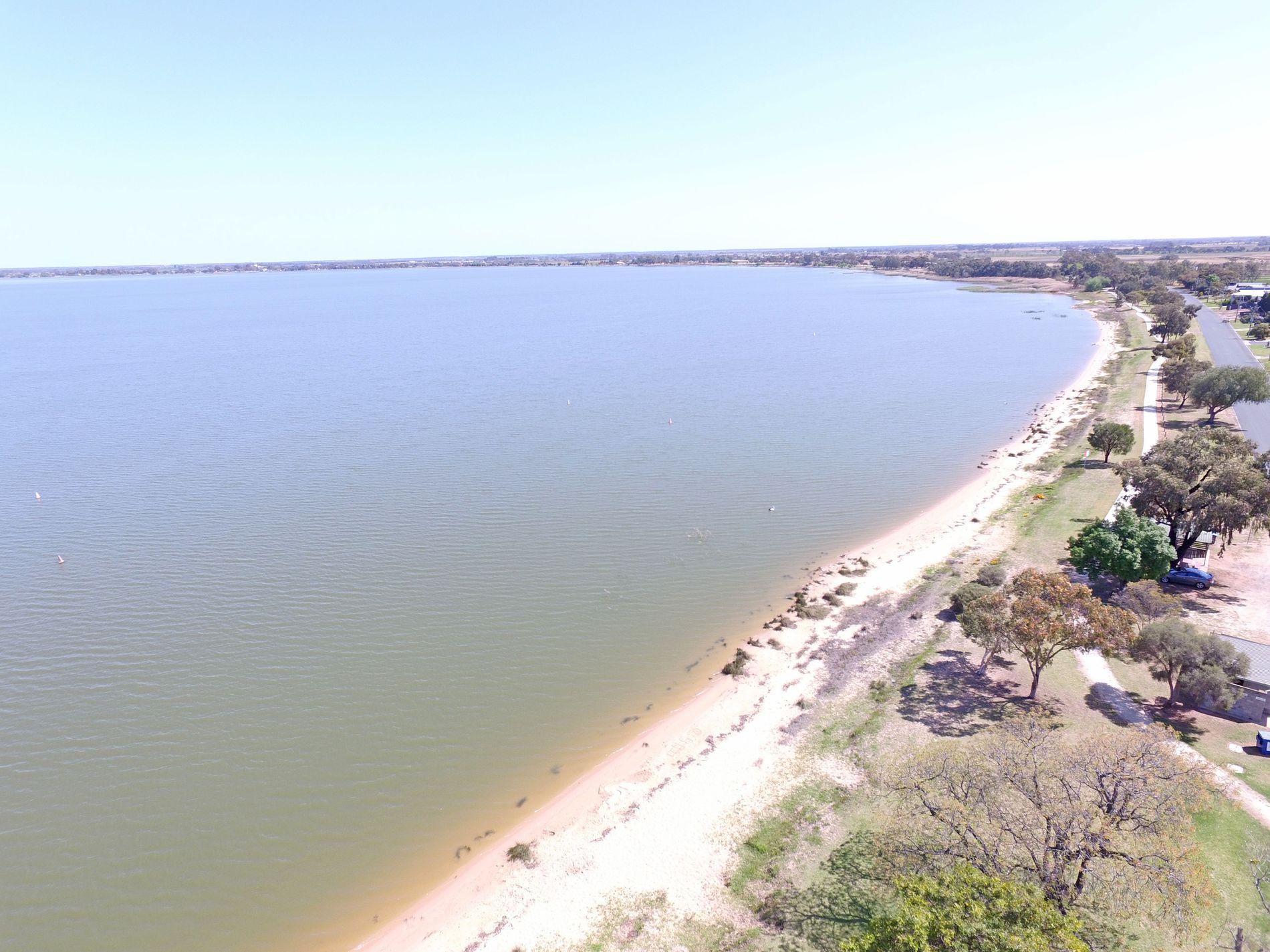 383 Lakeside Drive, Lake Boga