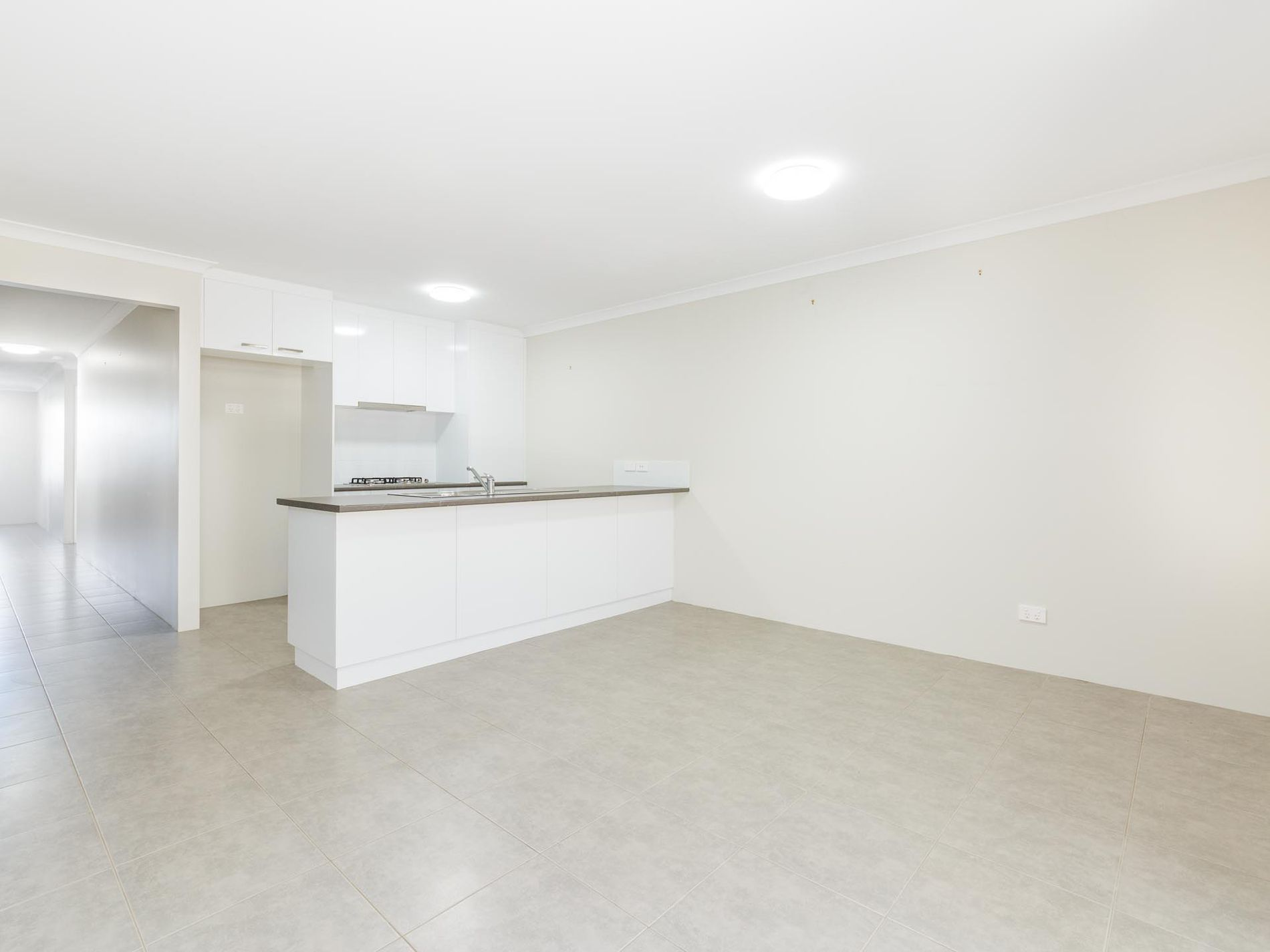 24 / 12 Loder Way, South Guildford