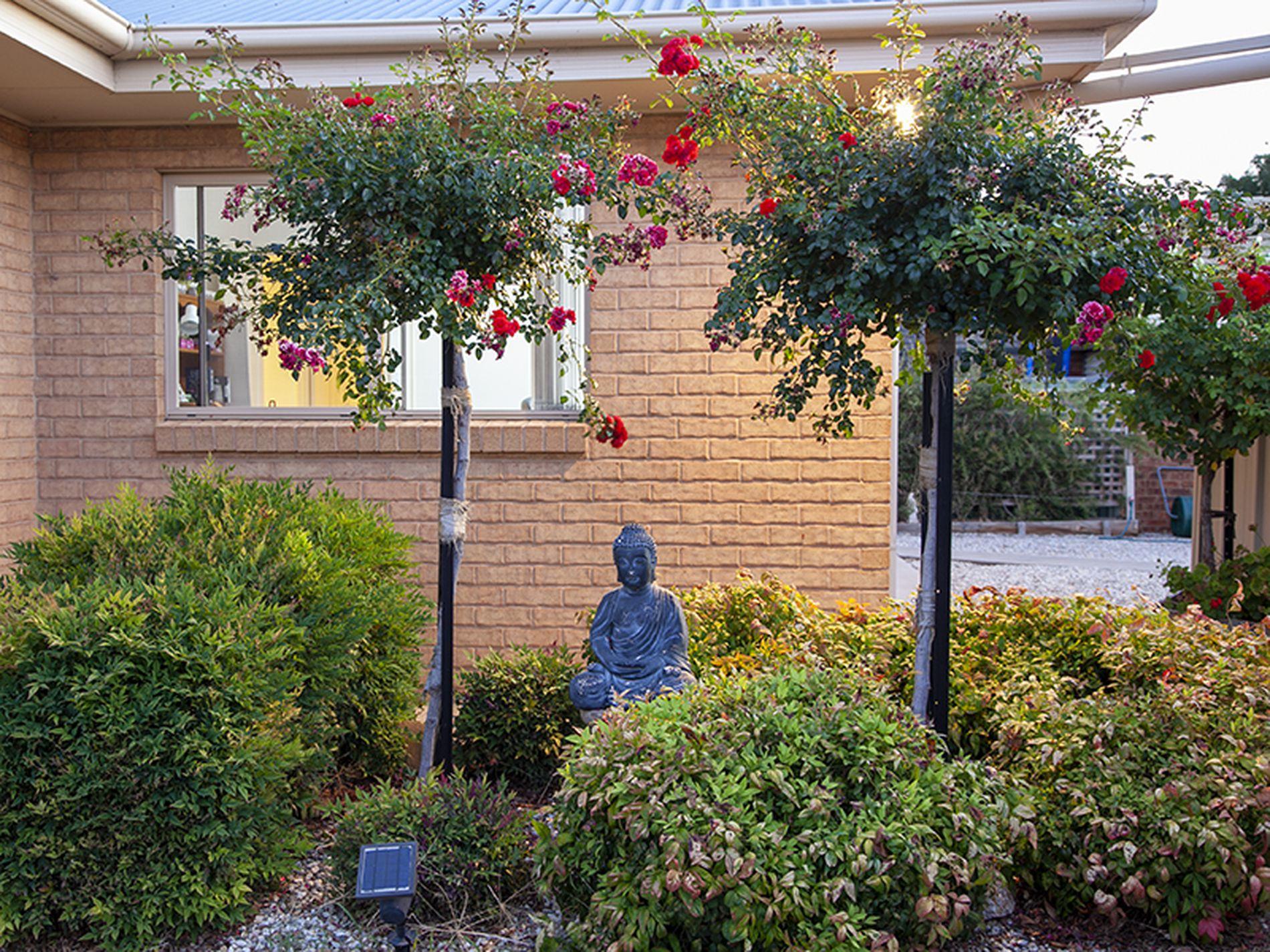 63 Hermitage Drive, Corowa