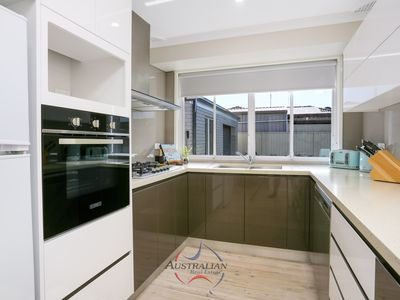 86 Melville Road, St Clair