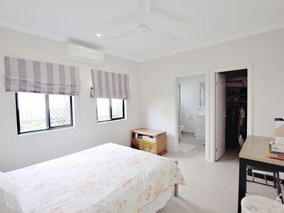 7 Henrietta Place, Mooroobool