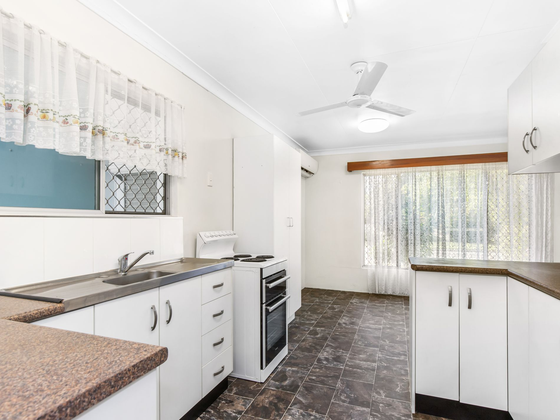 133 BERGIN ROAD, Cranbrook