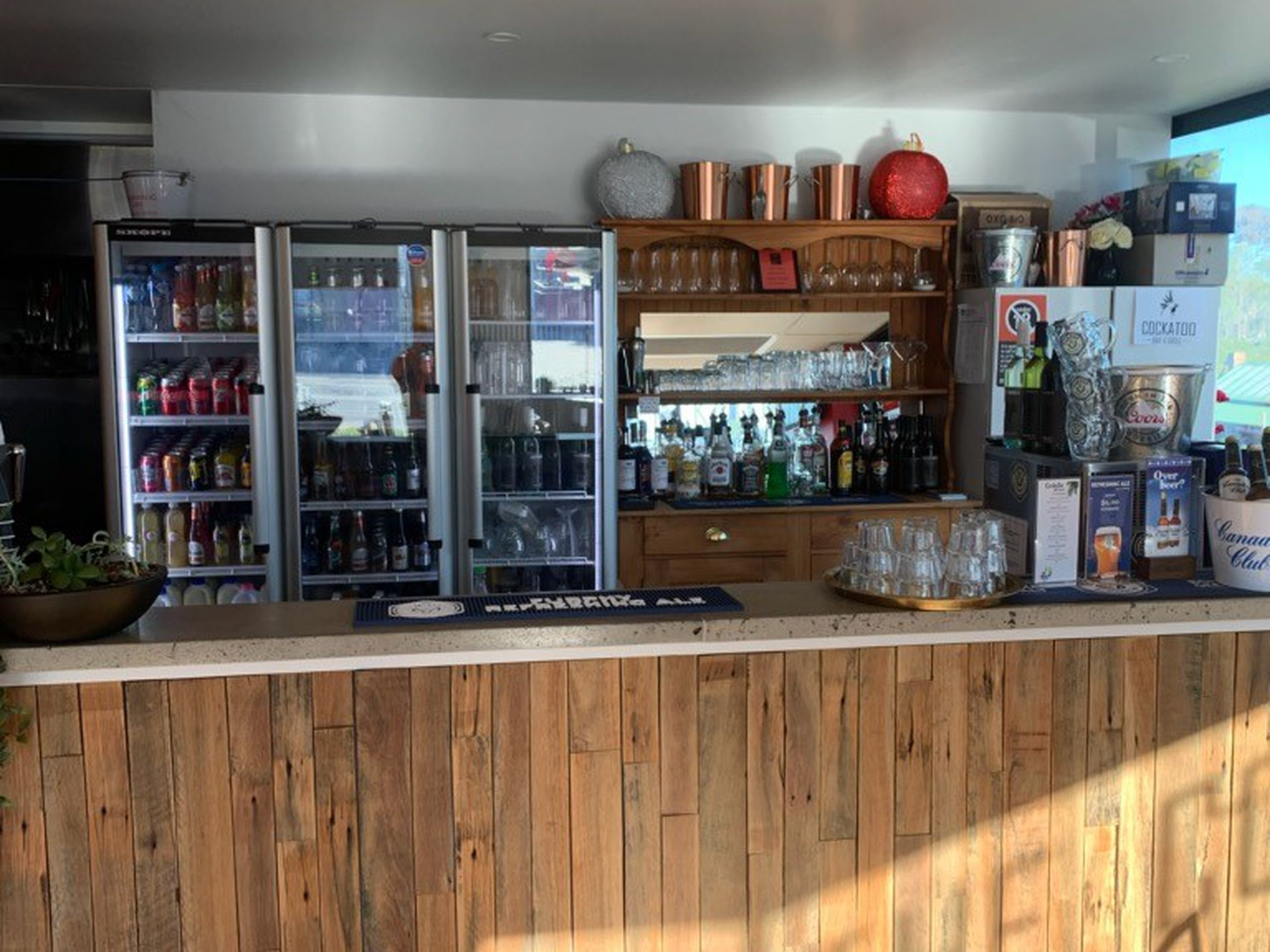 Cockatoo Bar & Grill