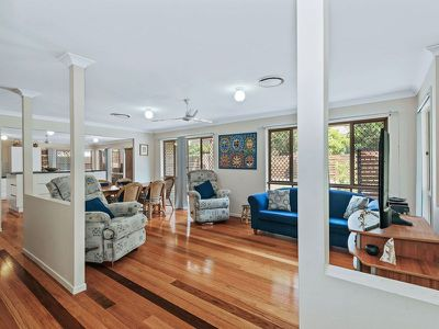 14 Parkway Place, Kenmore