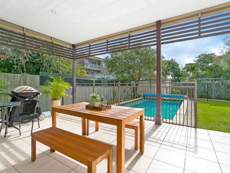 16A DUNNS TERRACE, Scarborough