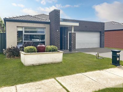 12 Sabel Drive, Cranbourne North