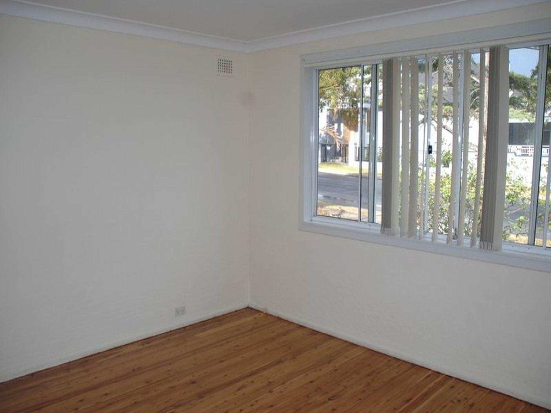 126 Acacia Avenue, Greenacre