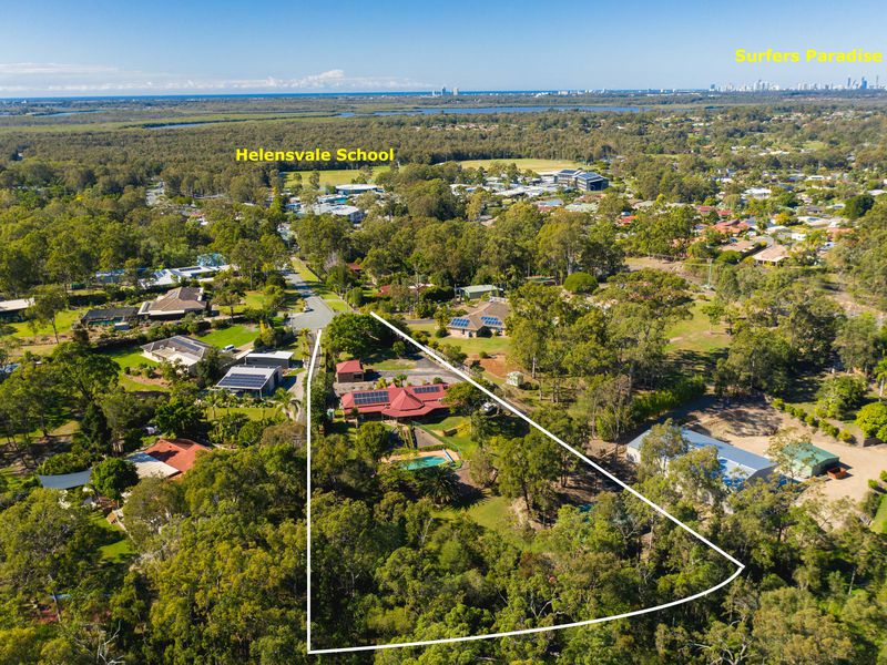 12 Hannaford Place, Helensvale