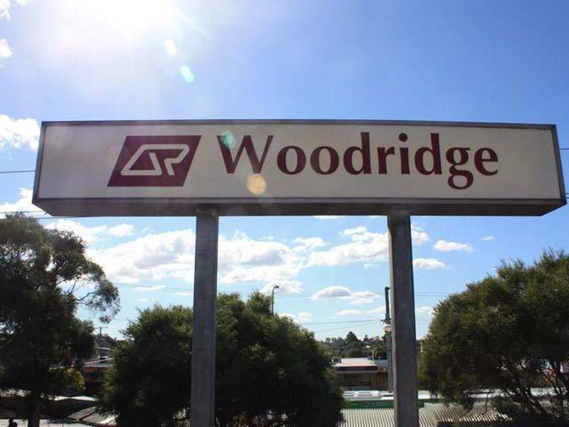 MR WOODRIDGE