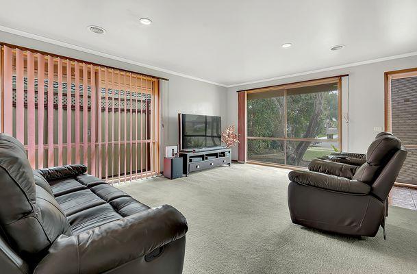 39 Farnborough Avenue, Craigieburn