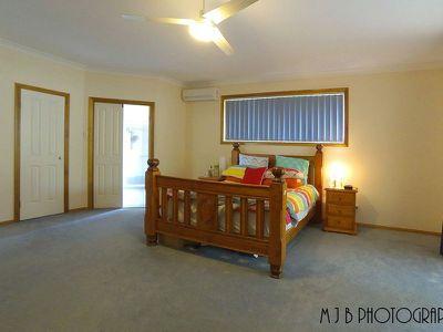 18 Cassinia Place, Flinders View