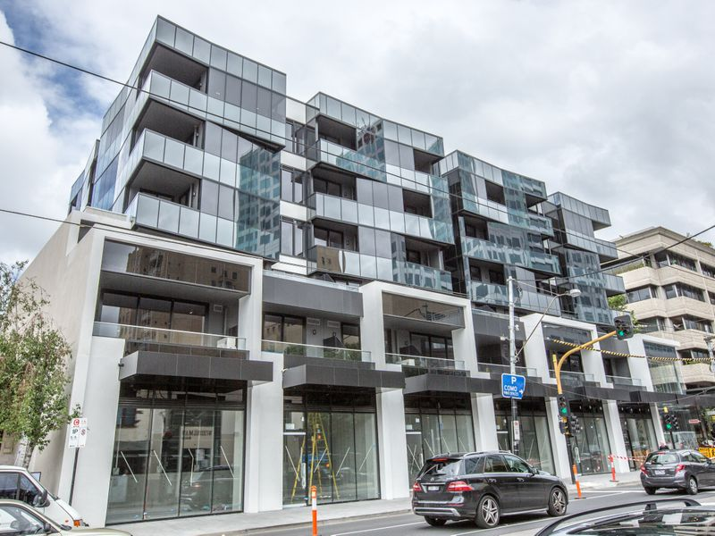 106 / 300 Toorak Road, South Yarra